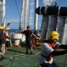 Deployment of the starboard paravane. Déploiement du paravent tribord. Photo: Raymond Shih