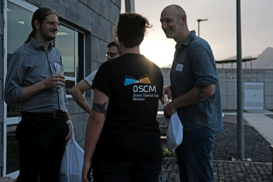 Old friends of the OSCM and new faces were meeting at the icebreaker event. Photo: Jan Steffen/GEOMAR