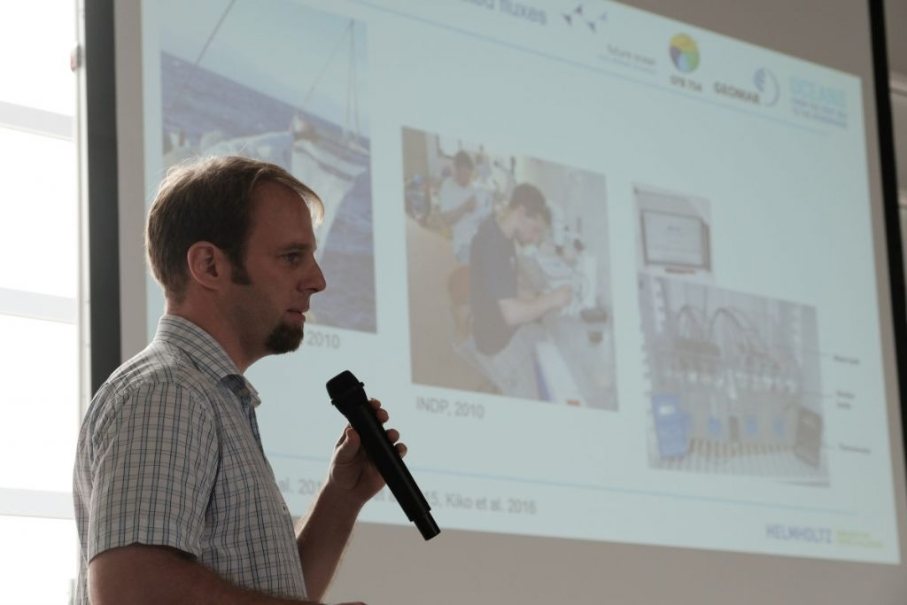 "Rainer Kiko talink about ""Zooplankton-mediated fluxes in the Eastern Tropical North Atlantic"". Photo: Jan Steffen/GEOMAR"
