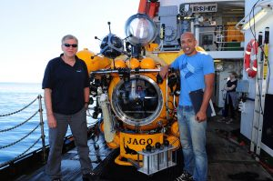 Meeresbiologe Nuno Vieira - hier mit JAGO-Pilot JürgenSchauer - ist der erste Kapverdier, der in einem Tauchboot die Unterwasserwelt seiner Heimat erkundete. / Nuno Vieira - here with JAGO pilot Jürgen Schauer - became the first Capo Verdean who went down in a manned submersible to observe...</a> </span> <a href=