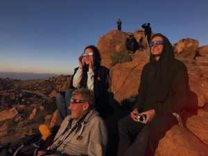 Happy faces at the moment of the eclipse (Photo: Frieda Wölke)
