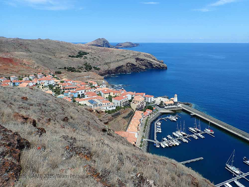 Our lab is located in this small private condominium in Quinta do Lorde, Caniçal, Madeira
