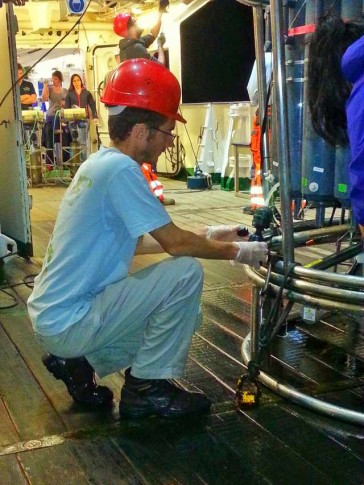 Mark sampling for Fe(II) and hydrogen peroxide from the CTD bottles (Photo JC Yong)