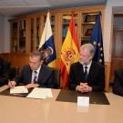 Antonio Falcón, Vice Chancellor for Research at ULPGC, Paulino Rivero Baute, Head of the Canary Government, Prof. Peter M. Herzig, Director of GEOMAR and Octavio Llinás, Director of PLOCAN, signed the agreement at the Presidency of the Government of the Canary Islands. Photo: José Joaquín Díaz de Aguilar, PLOCAN