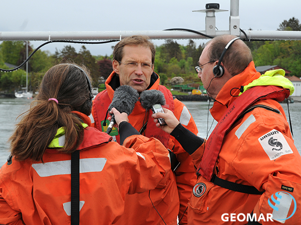 Research trip for German science journalists to the KOSMOS mesocosm experiment on ocean acidification at Raunefjord, Bergen (Norway).