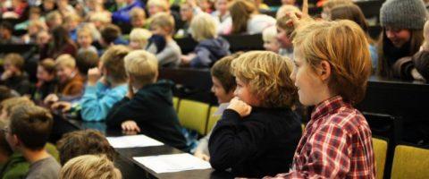 Gespanntes Zuhören bei der Kieler Kinder- und Schüleruni. Foto: Future Ocean