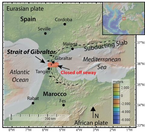 Map of the Strait of Gibraltar, showing the retreating slab and the region that was closed off during the Messinian salinity crisis in 5.33 Ma. Map: Anouk Beniest/UPMC
