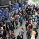 Am Tag der offenen Tür des GEOMAR im August war die Lithothek des Zentrums voller Besucher, die sich über Meeresforschung informiert haben. (Foto: Andreas Villwock, GEOMAR)