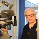 Dr. Stefan Sommer erklärt das neu entwickelte Unterwasser-Massenspektrometer. Foto: Maike Nicolai, GEOMAR