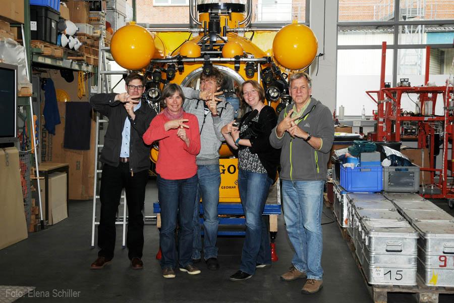 Das FastForwardScience Superfast-Team mit dem neuen Filmstar: JAGO. Foto: Elena Schiller