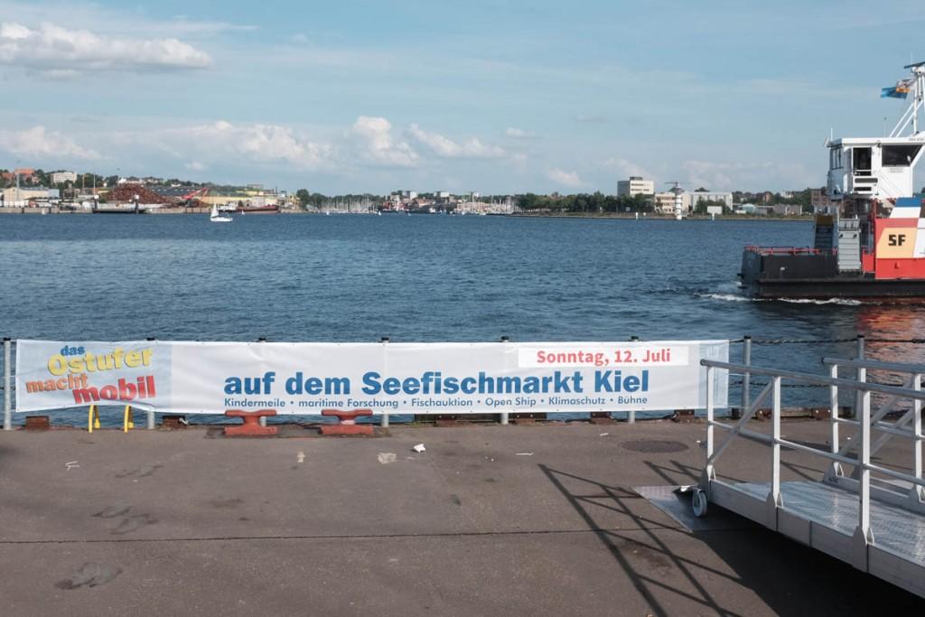 Mit der Fähre geht's am 12. Juli direkt zum Wellingdorfer Stadtteilfest und damit zum Tag der offenen Tür am GEOMAR. Foto: J. Steffen