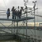 Das Arte-Team steigt uns aufs Dach... Foto: Maike Nicolai, GEOMAR