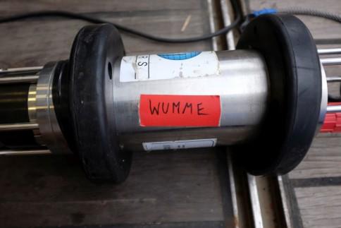 """Hydrophon, um mit dem Releaser in der Tiefsee zu kommmunizieren. Da es das stärkkere von zwei Hydrophonen ist,, trägt es den Spitznamenn """"Wumme"""". / Hydrophone nicknamed """"Wumme"""" Photo: Jan Steffen, GEOMAR"""