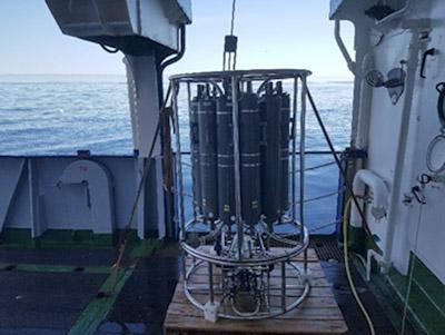 Der CTD-Kranzwasserschöpfer bereit für den nächsten Einsatz. Foto: Allison Schaap