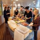 Ein typisches Buffet zum Abendessen auf FS SONNE / A typical dinner buffet on RV SONNE. ©Torben Riehl