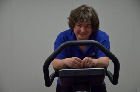 Ich auf dem Heimtrainer / Me on the exercise bike. ©Thomas Walter