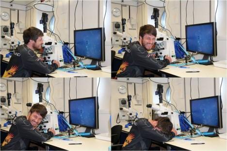 Dennis Prausse beim Zählen von blauen Punkten / Dennis Prausse counting blue dots ©Alexandra Jeuck