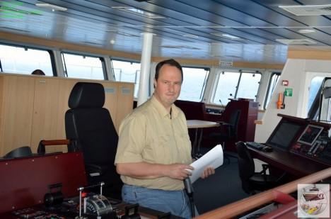 Der Kapitän auf der Brücke / Master on the bridge. ©Thomas Walter