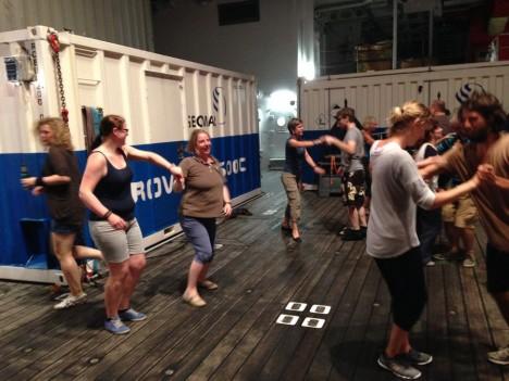 Dancing lesson from Manu / Tanzstunde mit Manu. @Marina Malyutina