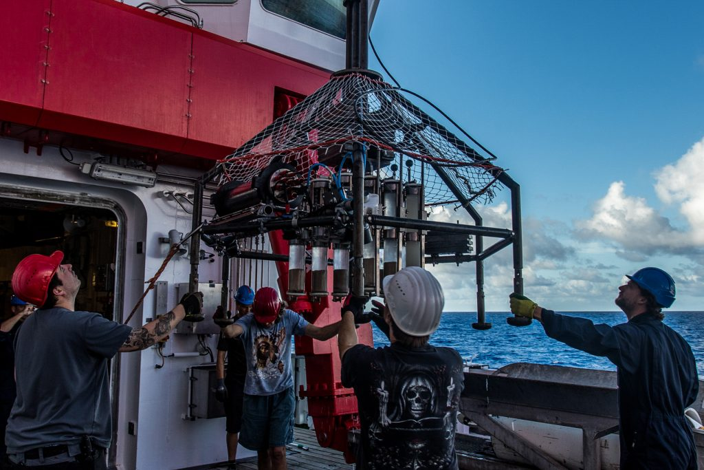 Crew and scientists bring the Multi Corer back on board the research vessel. Photo: Thomas Ronge, editing: Steffen